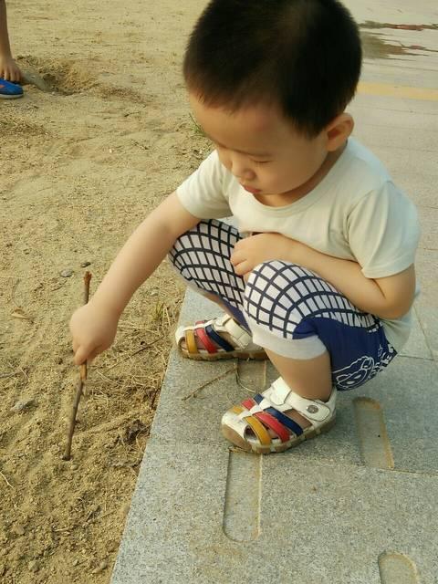 三岁宝宝吃太多虾发烧了_昨天晚上孩子姑姑炒
