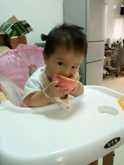 宝宝脸上有圆形白斑_白斑已经一个月了 圆形