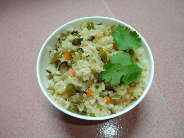 干黄花菜鸡蛋汤_黄花菜鸡蛋汤中国菜系食品餐饮摄影汇图网w