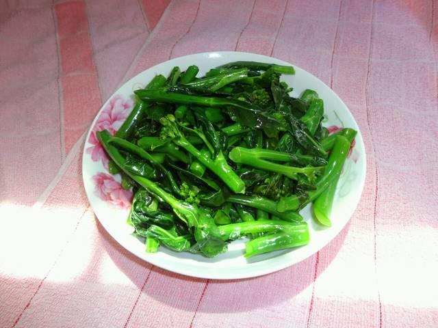 今天鸡蛋_午饭蒜蓉煲猪腿肉四季豆香菇芥蓝鸡太郎鸡味调味料图片